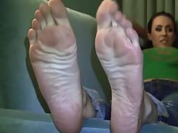 do enjoy feet hey