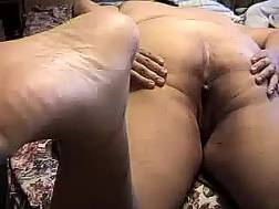 fat wifey shows asshole