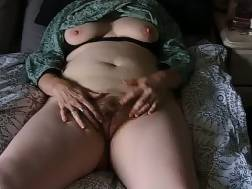 Mature Clitty fondle