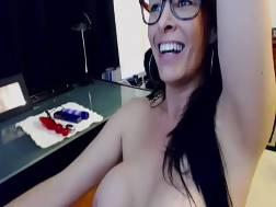 Cam girl has orgasm