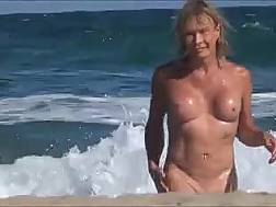 a beach blonde cam
