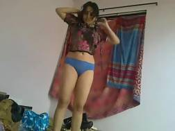 prurient indian nympho gets