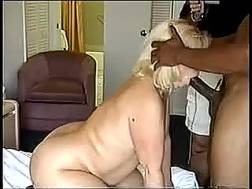 blondie curvy mature lady