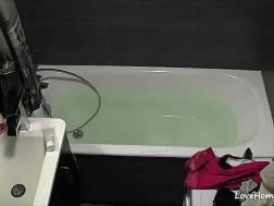 bathtub beauty blond