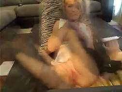 Blond playful mamma