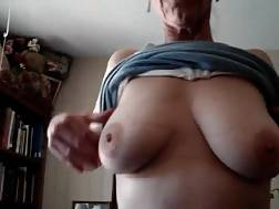 Sexual mom shows all