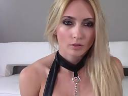 a blonde blondie