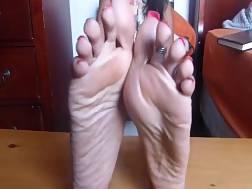 crazy feet go many