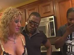 mature housewife fucks black