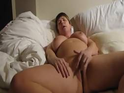 boobed mature lady uses