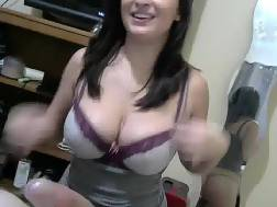 busty gf sucking penis