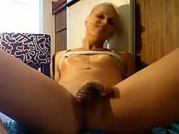 amateur blonde tranny wanks