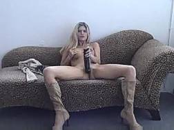 leggy haired chick wanking