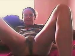 spreading legs wide wanna