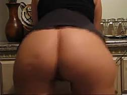creamy thick booty shaking