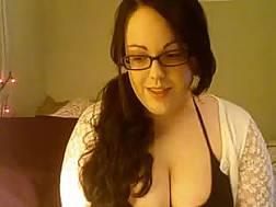 weird curvy darkhaired girlfriend