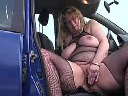 obese wife penetrates pussy
