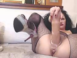 mature slut fishnet stockings