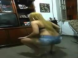 latina seductress shakes huge