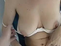 wifey flashes knockers