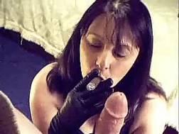 brunette mamma smokes blow