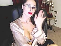 bosomy webcam mamma fingers