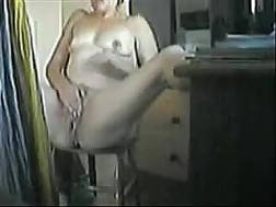 chubby mature woman uses