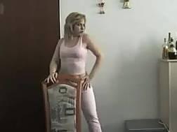milf blondie housewife plays