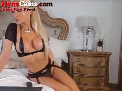 busty live cam model