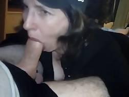 amateur cougar giving deepthroat