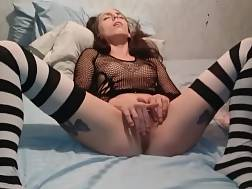 Amateur girlie with