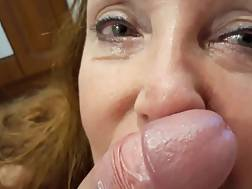 mature amateur lady sucks