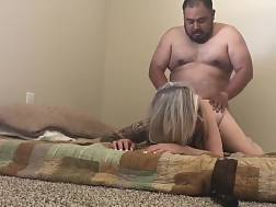 wife gets penetrated doggy