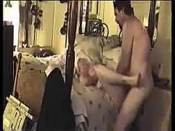 big-assed wife blowjob dick