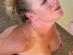 Sexy Mommy enjoys