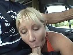 blonde mamma shows amazing