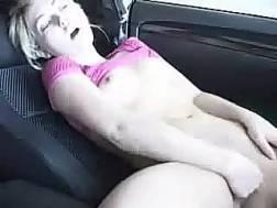 girlfriend fingers twat orgasm