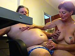 mature wifey shows blowjob