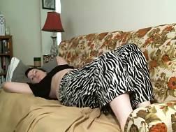 amateur curvy girl jerks