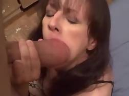 mature woman sucking dick