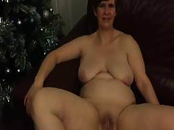 mature wifey taking clothes