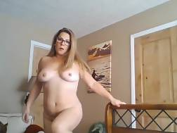 mature bombshell masturbating naked