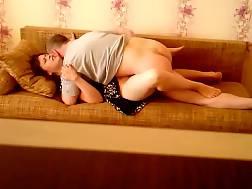amateur mom spreads legs