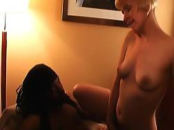 hot mom shows big