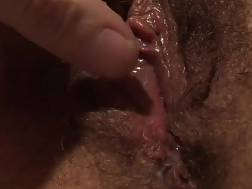 amateur babe pleasures hairy