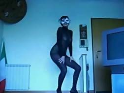 masked wifey body teases