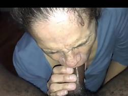mature bitch blowing young