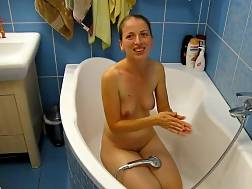 nude amateur bitch bathtube