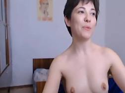 blackhaired russian mom penetrates